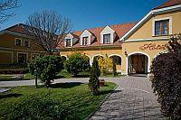 Hotel Gastland M0 - 3 csillagos szálloda Szigetszentmiklóson Hotel Gastland M0*** Szigetszentmiklós - Akciós hotel az M0 autópályánál Szigetszentmiklóson -