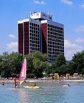 3 csillagos Hotel Marina Balatonfüreden közvetlenül a vízparton helyezkedik el Hotel Marina*** Balatonfüred - Akciós all inclusive hotel Balatonfüreden -