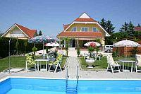Olcsó balatoni panzió - Panzió Lorelei a Balaton Északi oldalán Pension Lorelei - Gyenesdiás - Hangulatos és olcsó panzió a Balatonnál -