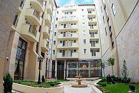 ötcsillagos Queen's Court Hotel & Residence Budapest  Queens Court Hotel Residence Budapest, 5 csillagos apartman szálloda a belvárosban -